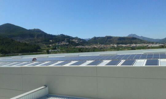 BETELGEUX-CHRISTEYNS instala una planta fotovoltaica que ahorrará más de 22.000 kilos de CO2 al año
