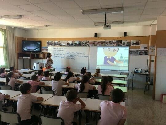 Los alumnos del colegio Gregori Mayans aprenden a lavarse correctamente las manos con BETELGEUX-CHRISTEYNS